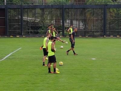 Treino Botafogo (Foto: Marcelo Baltar/ Globoesporte.com)