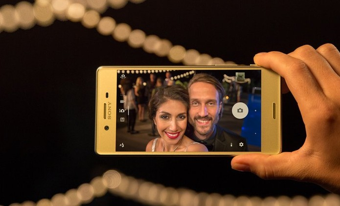 Xperia M5 tem câmera frontal de 13 megapixels (Foto: Divulgação/Sony)