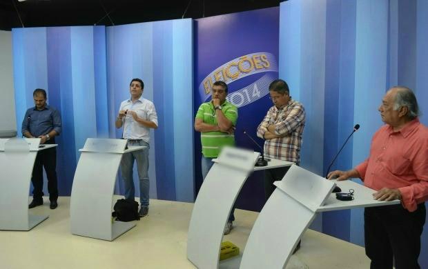 Ensaio do debate na TV Roraima é realizado com representantes de partidos (Foto: Thiago José Cabral/TV Roraima)