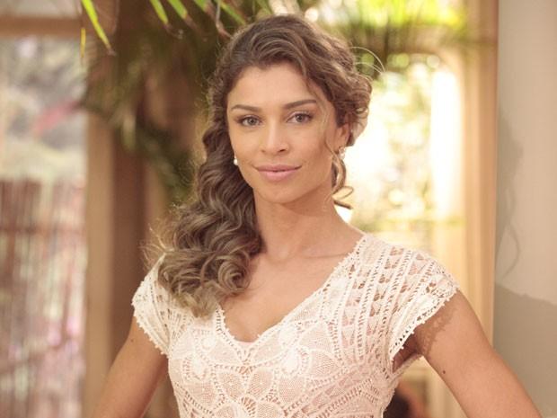 Maquiagem leve ressalta a beleza natural de Ester (Foto: Flor do Caribe / TV Globo)