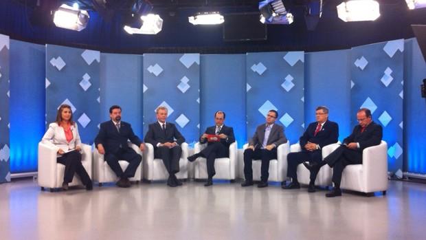 Candidatos à prefeitura de Porto Alegre participaram de debate mediado pelo jornalista André Machado (Foto: Silvana Pires/RBS TV)