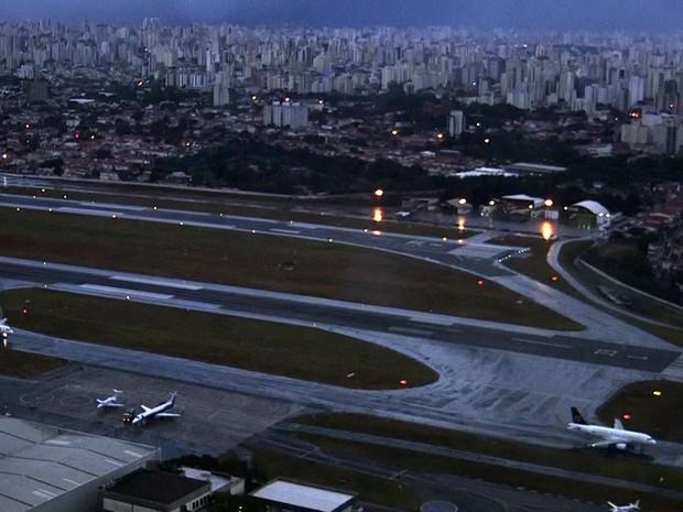 Pista de pouso e decolagem do Aeroporto de Congonhas, na Zona Sul de São Paulo (Foto: Reprodução TV Globo)