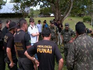 Equipes reunidas para dar início aos trabalhos (Foto: reprodução TV Roraima)
