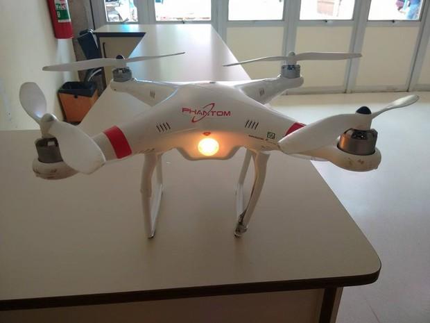 Drone que caiu ao lado de sala de aula na USP (Foto: Olga Roschel/Arquivo Pessoal)