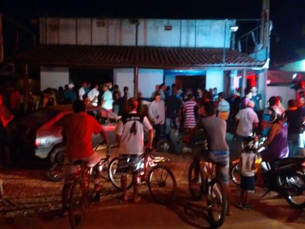 Cerca de 35 pessoas acompanhavam o culto no momento do desabamento (Foto: Fernando Vieira/Divulgação)