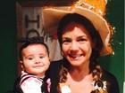 Nívea Stelmann posa com a filha fofa em Dia das Bruxas tardio