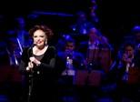 Bibi Ferreira canta Sinatra em show no DF que celebra 75 anos de carreira