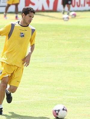 Magno Alves deve estrear contra o Atlético-PR (Foto: Divulgação / CearáSC.com)
