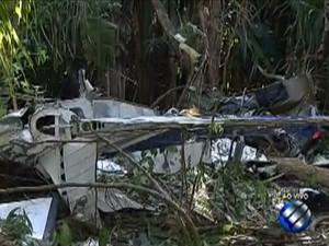 Aeronave com paraquedistas cai em terreno da Embrapa no Pará (Foto: Reprodução/TV Liberal)