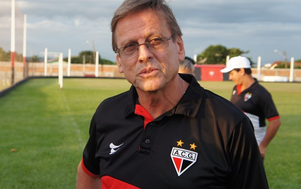 Waldemar Lemos, técnico do Atlético-GO (Foto: Daniel Mundim)