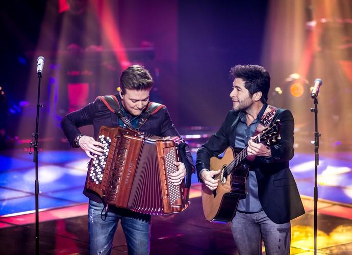 Daniel e Michel Teló mostraram afinidade no palco (Foto: Isabella Pinheiro/Gshow)
