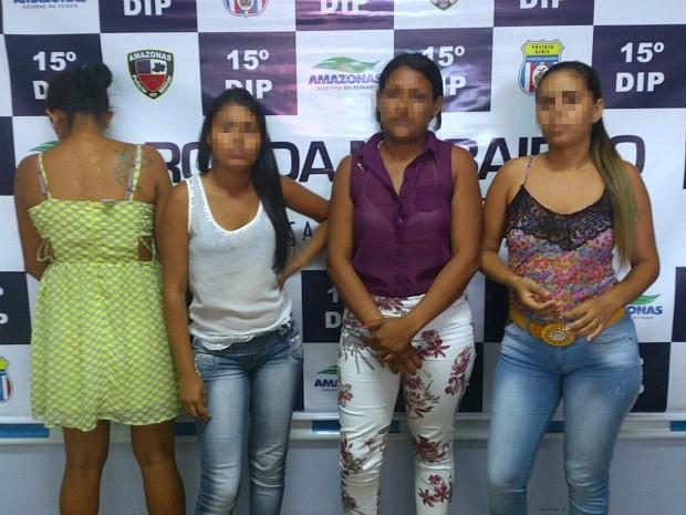 Mulheres foram presas após roubo em lojas de Manaus (Foto: Divulgação/ Polícia Militar)