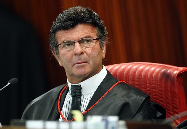 O ministro Luiz Fux durante sessão de julgamento da Aije 194358, o julgamento da chapa Dilma-Temer (Foto: TSE)