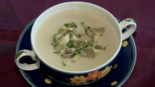 Receita desta semana do 'Cozinha do Brasil' é uma sopa creme de shimeji (Reprodução TV Fronteira)