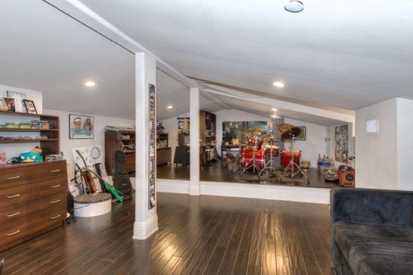 A mansão vendida pelo músico Slash (Foto: Divulgação)