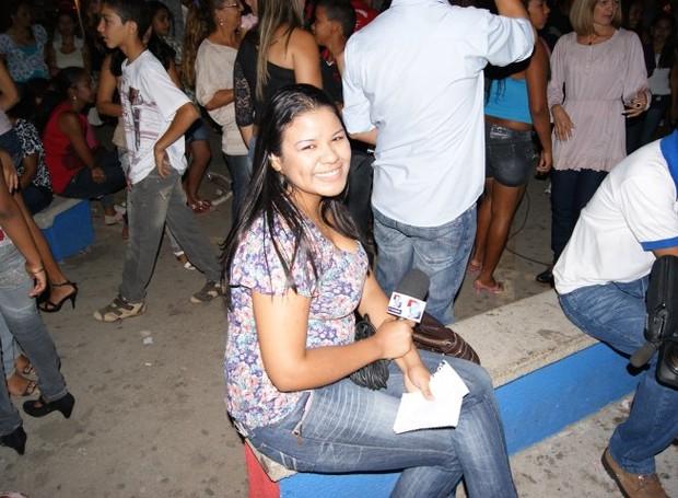 Carol Souza tem experiência com assessoria de eventos, política e também com reportagem (Foto: Arquivo Pessoal)