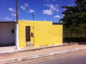 Crianças estavam em casa do Bairro Cohab III. (Foto: Danilo César/ TV Asa Branca)