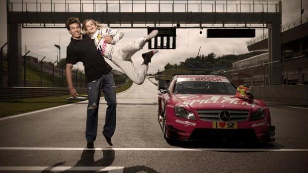 Esposa de Toto Wolff, Susie disputa sétima temporada na DTM (Foto: Reprodução/Facebook)