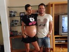 A uma semana de dar à luz, Fernanda Motta exibe o barrigão em foto na web