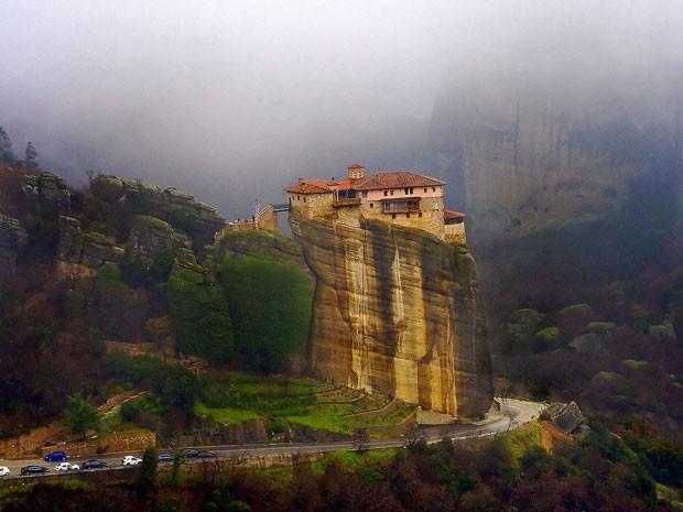 Monastério de Rousanou, em Meteora (Foto: Vaggelis Vlahos/Creative Commons)