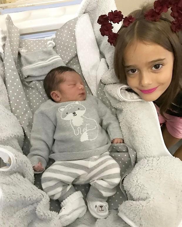 Miguel e Julia, filhos de Leticia Santiago (Foto: Instagram / Reprodução)
