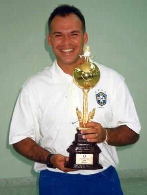 Marcelo Buarque já passou pelas categorias de base da Seleção Brasileira como técnico e preparador físico (Foto: Divulgação)