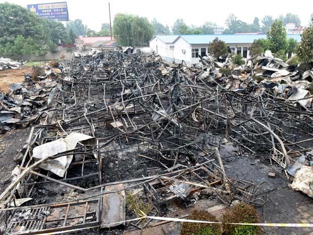 Incêndio em asilo matou mais de 30 na China. (Foto: Zhao Peng / Xinhua / via AP Photo)