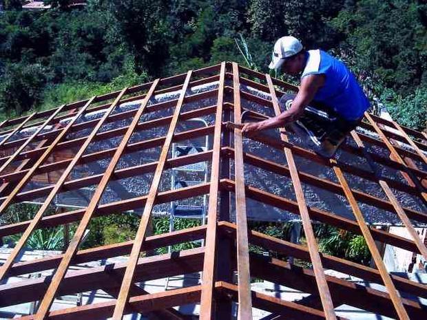 O curso de carpinteiro tem duração de 200 horas, e o de jardinagem, 160 (Foto: Divulgação)