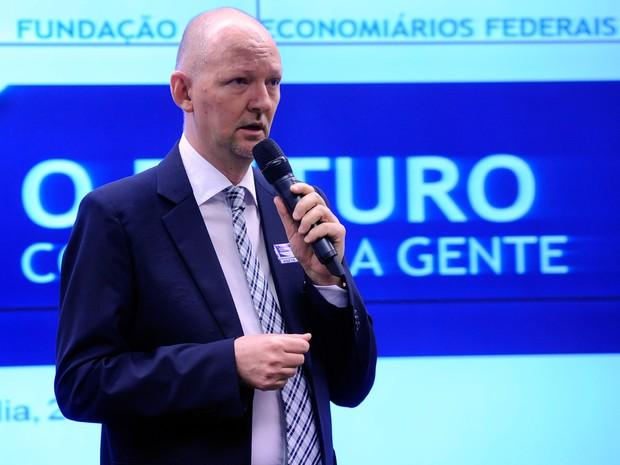O presidente da Funcef, Carlos Alberto Caser, em depoimento à CPI dos Fundos de Pensão, em agosto de 2015 (Foto: Lucio Bernardo Junior/Câmara dos Deputados)