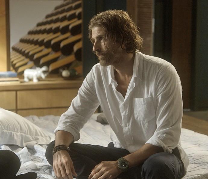 Pedro conta que foi Jéssica que botou Tiago para dormir (Foto: TV Globo)