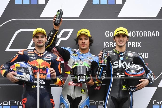 Franco Morbidelli celebra pódio na Moto2 (Foto: ROBERT MICHAEL / AFP)
