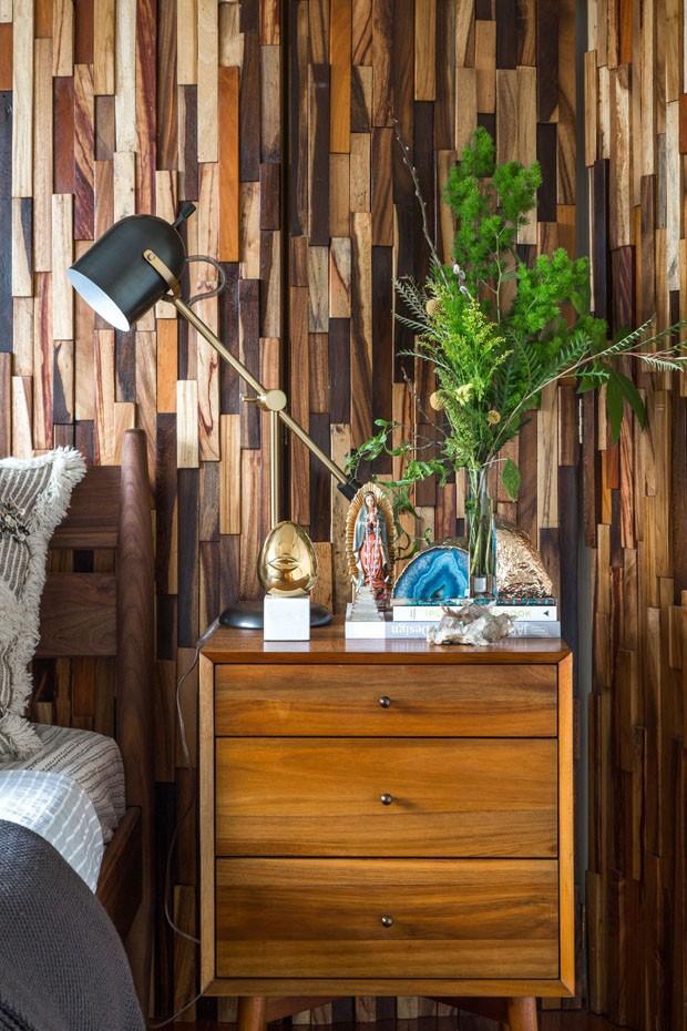 Décor do dia: quarto com painéis de madeira (Foto: divulgação)