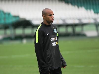 Reginaldo, lateral-direito do Coritiba (Foto: Divulgação/ Site oficial Coritiba)