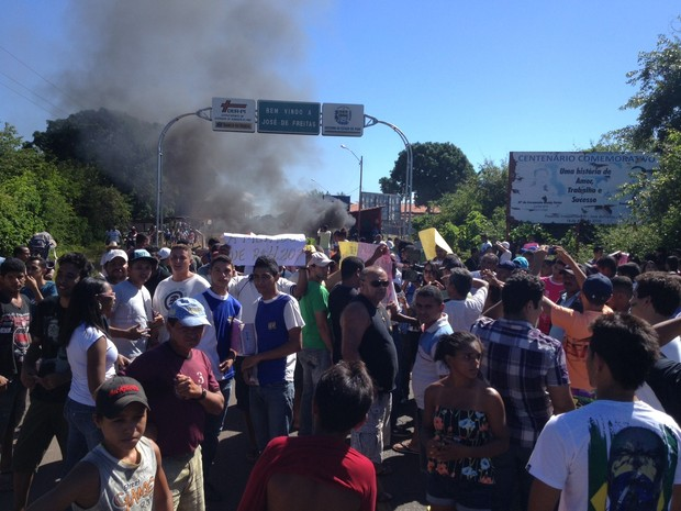 População também pede mais conforto no transporte intermunicipal (Foto: Gil Oliveira/G1)