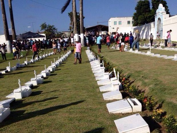 Sepultamento ocorreu na cidade de Itabaiana (Foto: Edinaldo Roseno/Internauta)