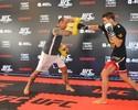 Pitbull e Condit fazem encarada respeitosa em treino aberto do UFC