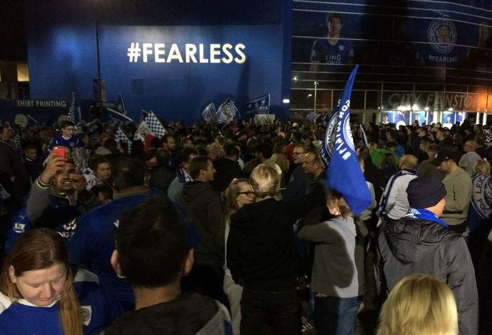 Festança da torcida do Leicester City com a conquista do Campeonato Inglês (Foto: Ivan Raupp)