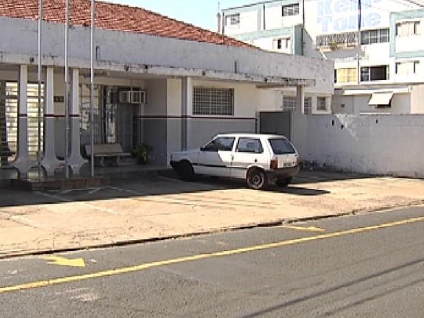 Situação do IML de Rio Preto é investigada pelo Ministério Público (Foto: Reprodução / TV Tem)