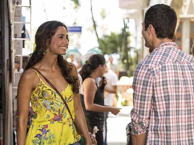 Para a personagem, Camila usa look alegre (Foto: Inácio Moraes/Gshow)