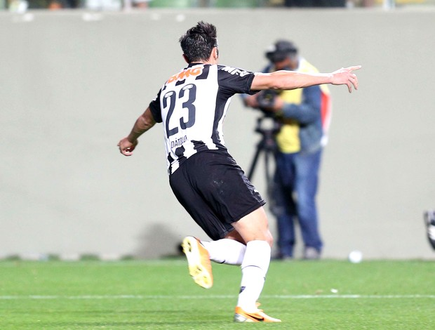 Datolo comemora gol do Atlético-mg contra o Palmeiras (Foto: Cristiane Mattos / Futura Press)
