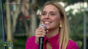 Carolina Dieckmann revisita carreira no 'Meu Vídeo é um Show'