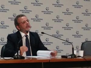 O chefe do departamento econômico do BC, Tulio Maciel, deu entrevista coletiva para apresentar os dados  (Foto: Laís Alegretti/G1)