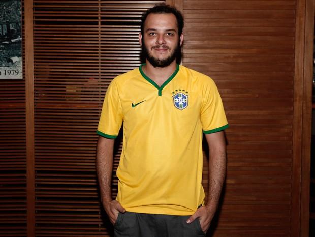 Samuel Vieira apostou no look da seleção brasileira (Foto: Inácio Moraes/Gshow)