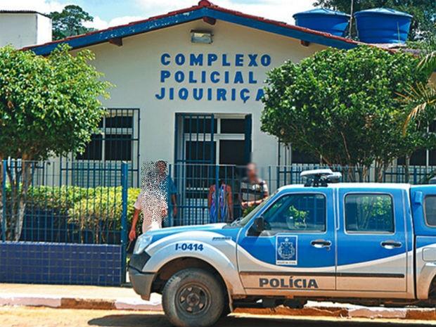 Delegacia da cidade de Jiquiriçá, onde os presos fugiram (Foto: Leandro Alves/Bahia 10)