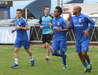 Jogadores do Grêmio treinam no suplementar do Olímpico (Foto: Eduardo Deconto/GloboEsporte.com)