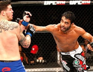 Rafael Natal x  Chris Camozzi, UFC (Foto: Getty Images)