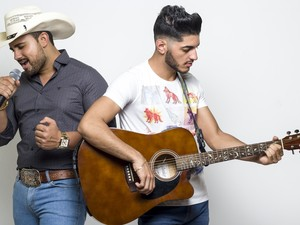 Zé Henrique e Nathan estão juntos há seis meses e já agitam o interior  (Foto: Paulo Roberto/Arquivo Pessoal)