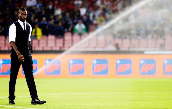 Balotelli italia x armenia (Foto: AP)