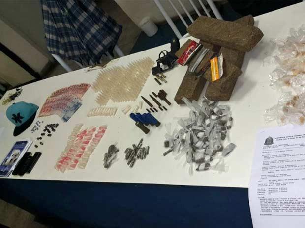 Material apreendido em bunker de traficantes na Zona Sul de São Paulo (Foto: Divulgação/Polícia Civil)