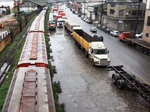 Ferrovia de acesso ao porto de Santos (Foto: Luigi Bongiovanni / A Tribuna de Santos)
